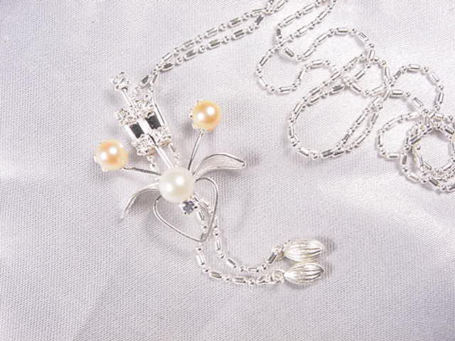 FN05 pearl necklace